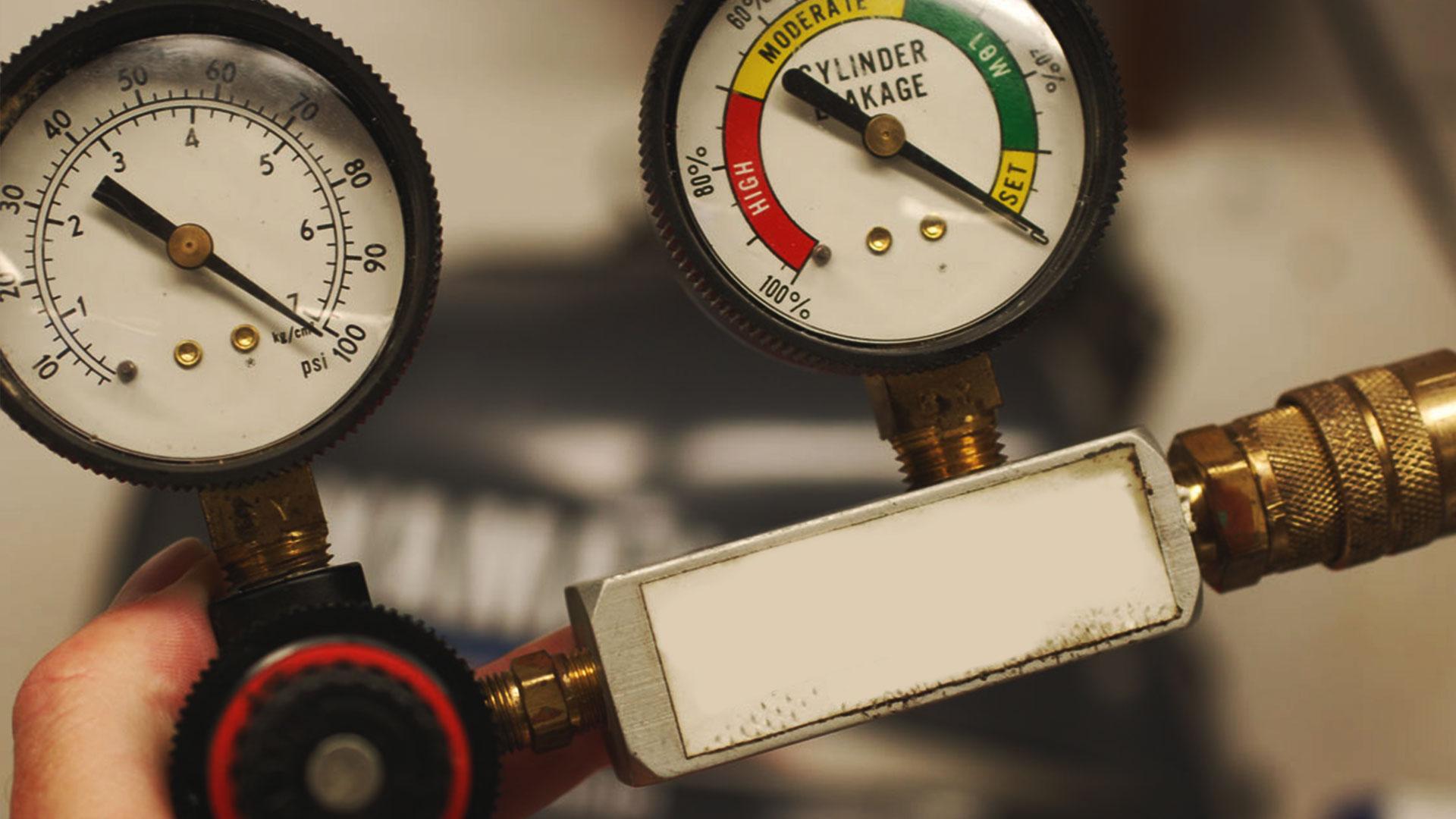 cylinder leak down tester