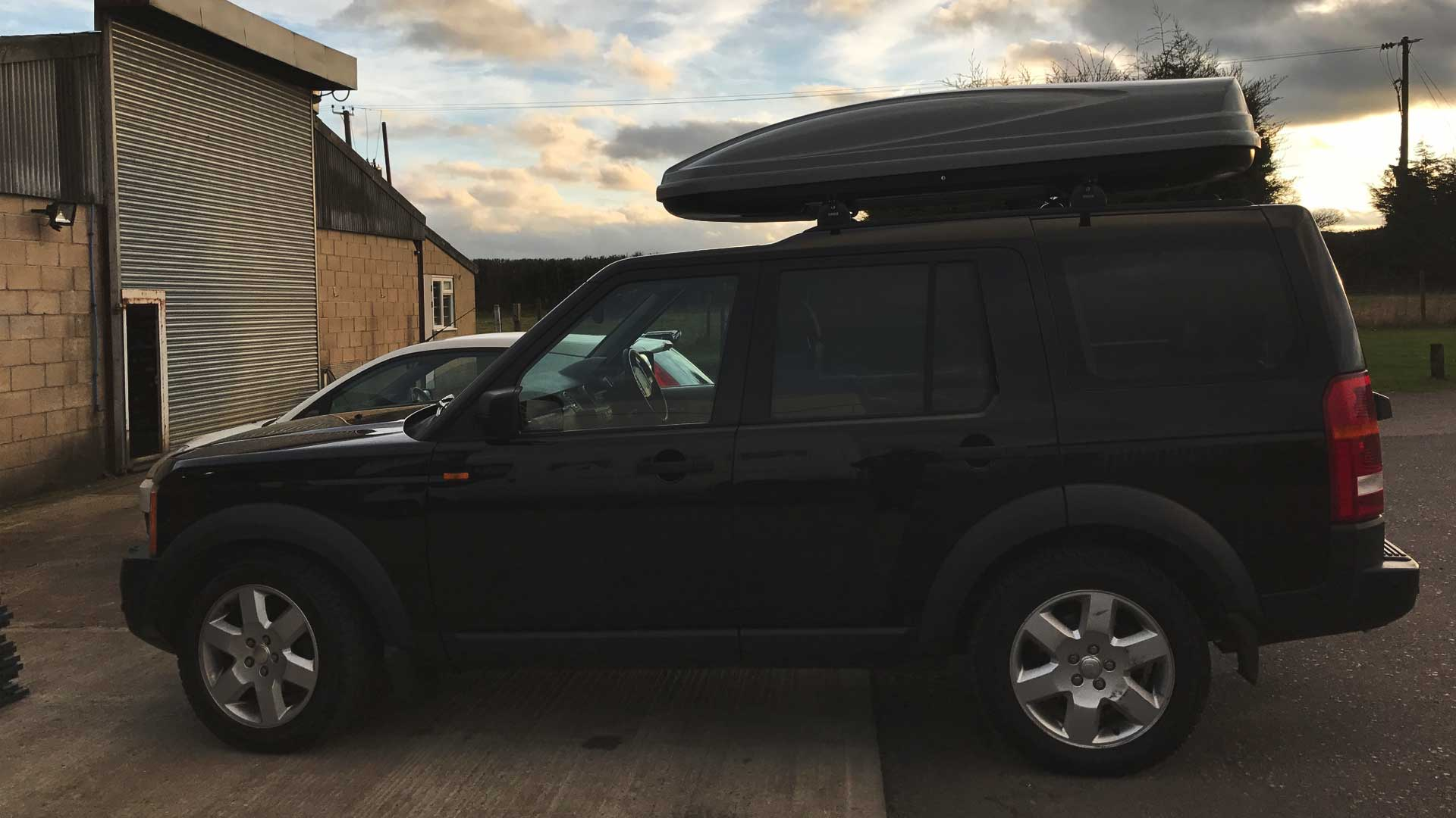 land rover discovery roof box