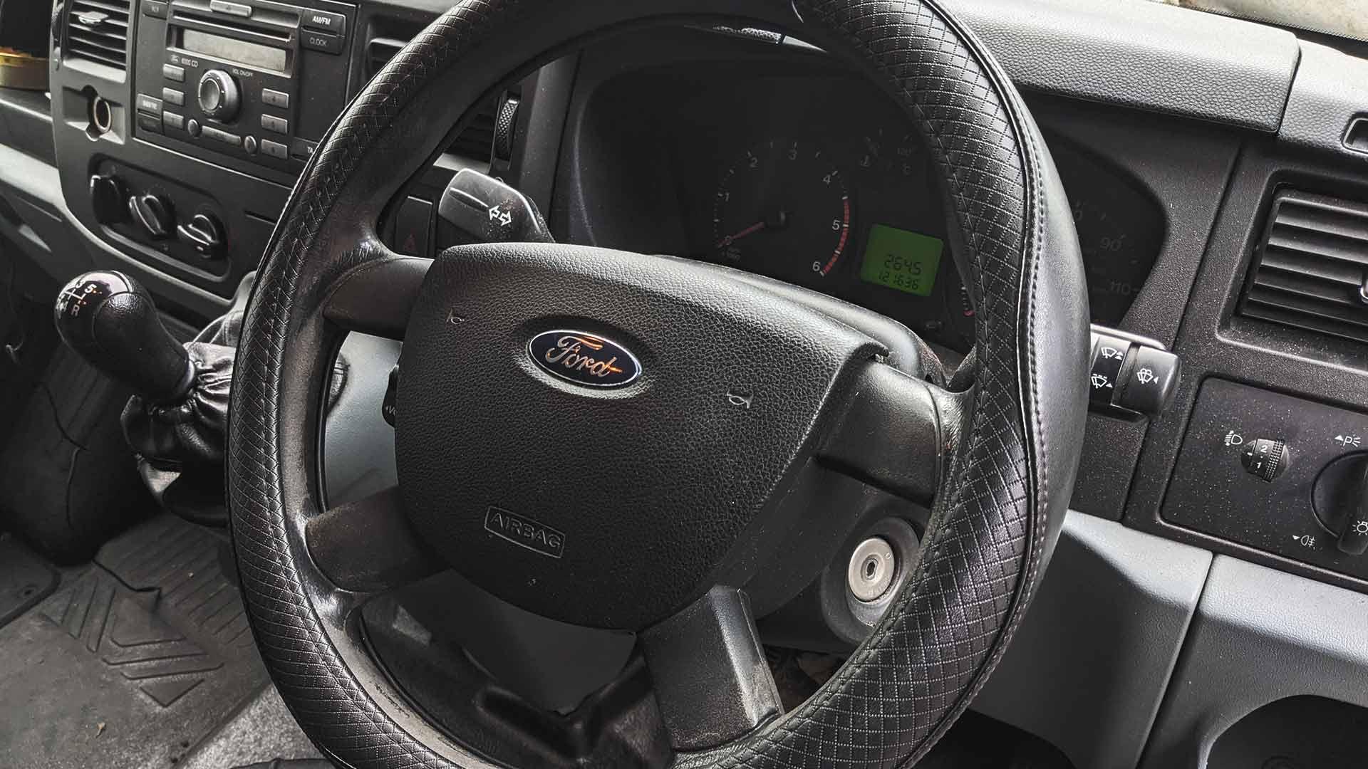 van steering wheel lock